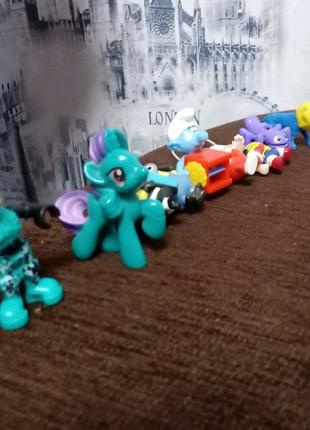 Продаю игрушки с киндеров