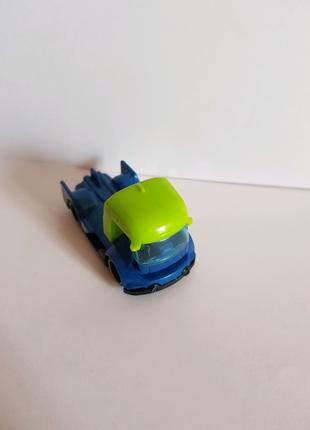 Маленький спортивный грузовичок Хот Вилс (горячие колёса)