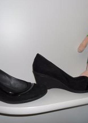 Туфлі 38 р., стан нових, один раз взуті.
