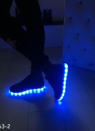 Кроссовки со светящей led подошвой зарядка usb кабелем 36-41 р...
