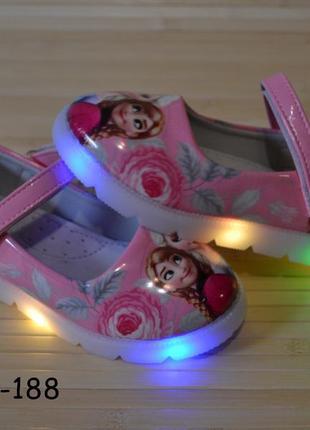 Детские туфли для девочки со светящейся подошвой 26-31 холодно...