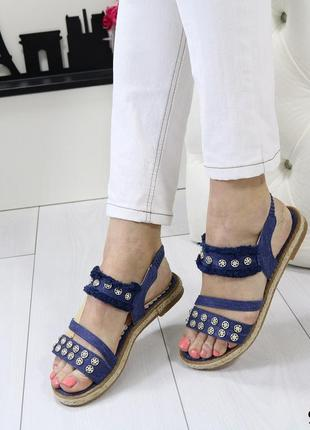 Женские босоножки джинсовые