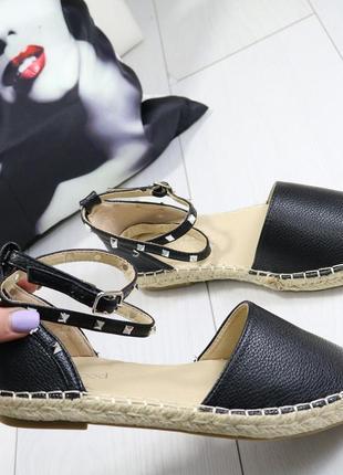 Женские повседневные босоножки на низком каблуке
