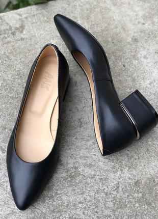 Женские туфли на каблуке черные натуральная кожа зара