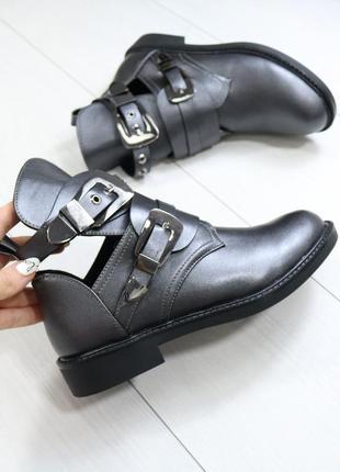 Демисезонные женские ботинки осенние
