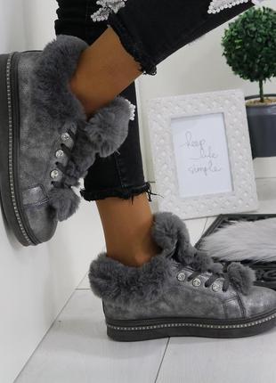 Женские зимние ботинки угги