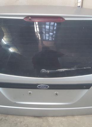 Ляда. Крышка багажника с Универсала Ford Focus Mk1. Форд Фокус.