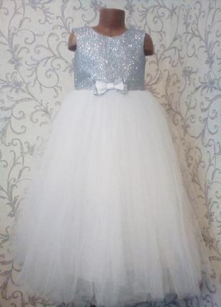 Детское платье 5-6 лет