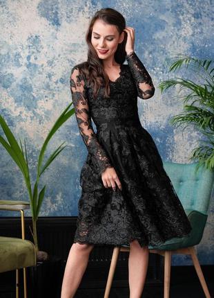 Платье с кружевом черный