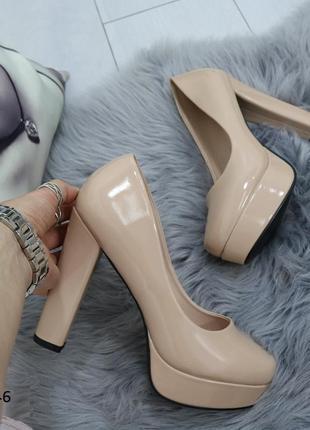 Туфли женские лакированные высокий каблук