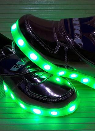 Кроссовки для девочки со светящейся led подошвой с usb кабелем 28