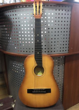 (2124) Гитара 1\2 как Новая Идеальна для Обучения Ребенку 5-8 лет
