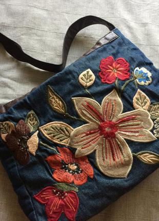 Джинсовая сумка с вышивкой accessorize