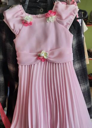 Платье на девочку 6- 7 лет