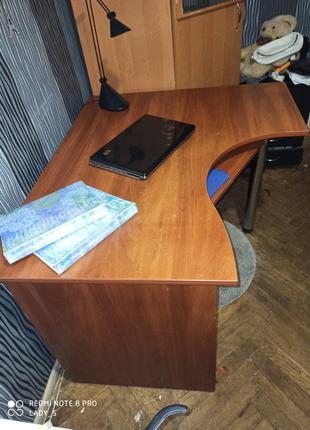 Продам угловой шкаф и компьютерный стол киев
