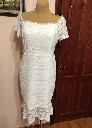 Новое шикарное платье из белого кружева