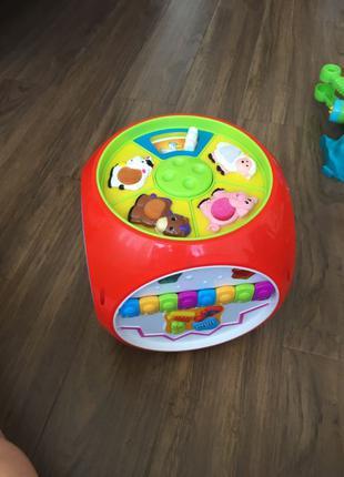 куб интерактивный . музыкальная развивающая игрушка