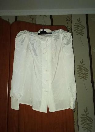 Атласна блузка в стилі ретро
