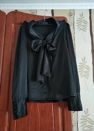 Атласна блузка