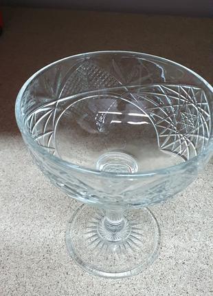 Стакан для коктейля, креманка