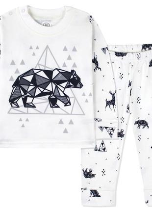 Пижама для мальчика, белая. геометрический медведь.