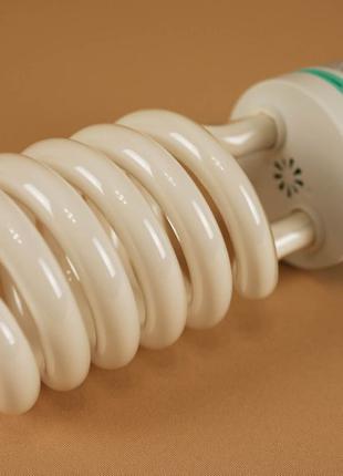Лампы постоянного света 135W, температура 5500K, новые.