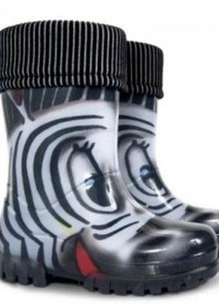 Резиновые сапоги зебра черные демар