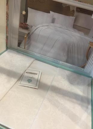 Очень красивый набор постельного белья