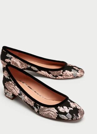 Жаккардовые туфли, лодочки,квадратный каблук,цветочный принт.3...