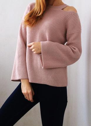 Идеальный свитер с открытыми плечами