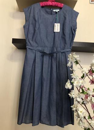 Красивое джинсовое платье с поясом,