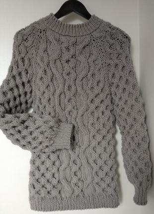 Теплый свитер ручной работы