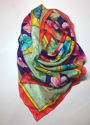 Очень красивый ,яркий шелковый шарф,косынка ручной работы,шелк...
