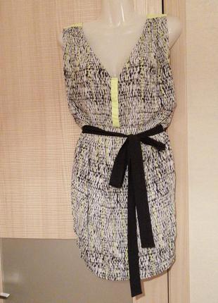 Платье туника свободного кроя под пояс в красивый окрас