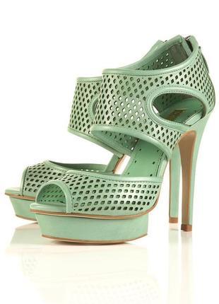Красивые босоножки,туфли,каблук,платформа,натуральная кожа с п...