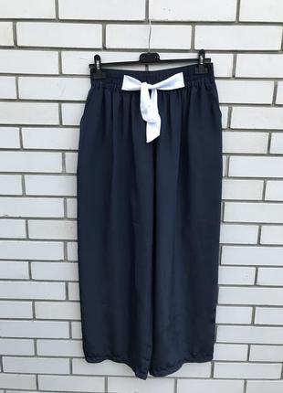 Широкие брюки с завязками