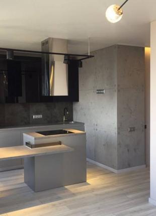 Предлагается к продаже однокомнатная квартира с дорогим ремонтом