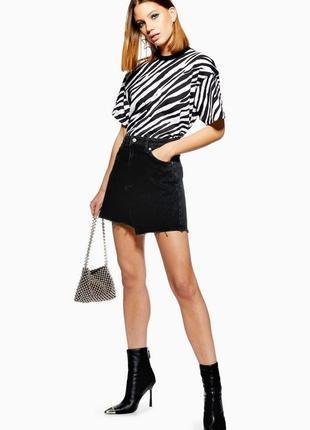 Чёрная,ассиметричная джинсовая юбка,потертости,бахрома,большой...