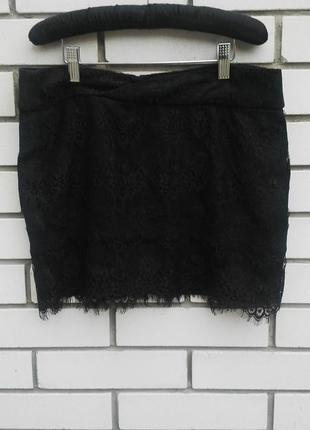 Красивая,мини юбка с кружевом amisu