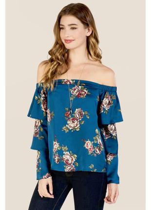 Красивая блузка на плечи, с рюшами