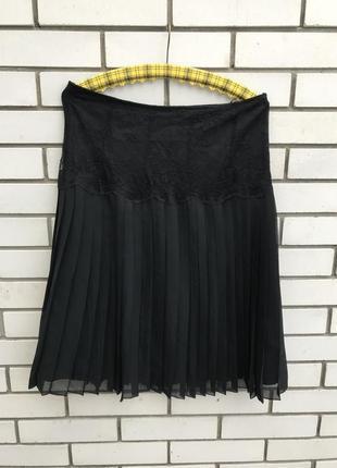 Красивая,черная юбка-плиссе с кружевом (гипюром)по талии.