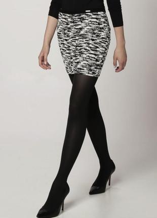 Красивая мини-юбка,трикотажная ткань(без подкладки)черно-белый...