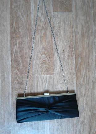 Женский клатч на цепочке
