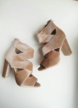 Закрытие босоножки на каблуках летние ботинки босоніжки на тов...