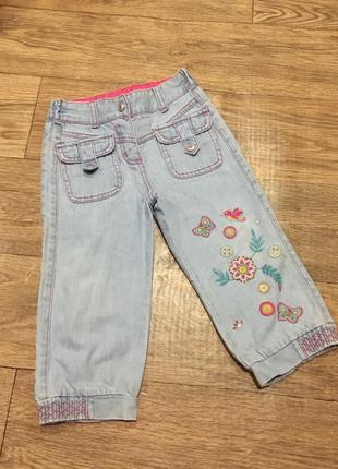 Джинсовые бриджи с вышивкой на лето -прелесть!на 5 лет!