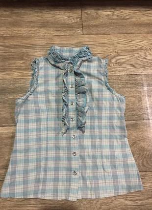 Стильная клетчатая блузка  с прелестными пуговицами ,на 8-10 л...
