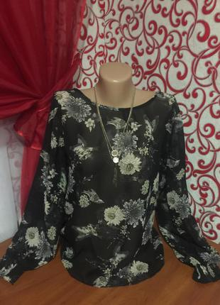 Воздушная блузка с обалденной спинкой,с принтом-птицы и цветы,...