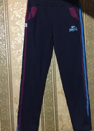 Красивые спортивные штаны lonsdale,9-10 лет!