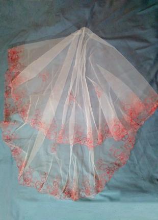 Фата белая с красной вышивкой  2м