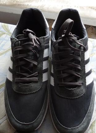 Продам новые кроссовки Adidas Iniki